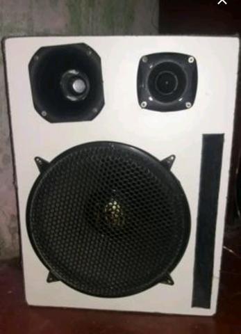 Vendo ou troco caixa sub woofer de 15 2000w twitter de 1000w corneta de 500w vl.negociável