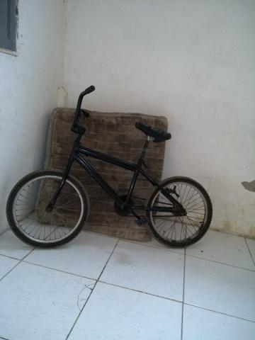 Vendo bicicleta ou troco em celular