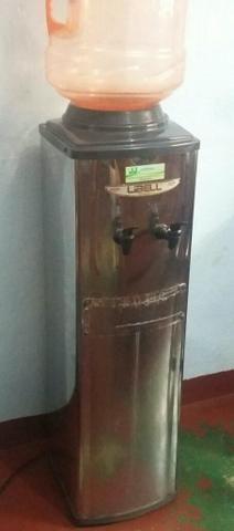 Bebedouro de galão em inox