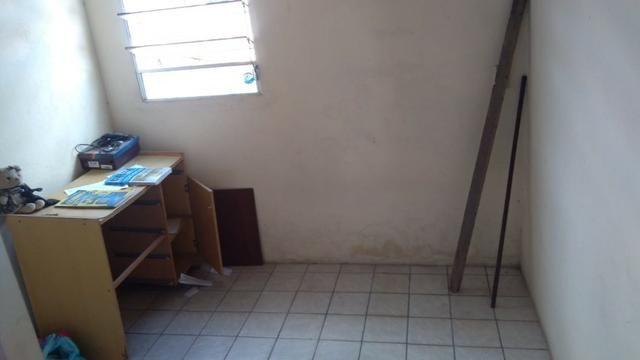 Vende-se um Prédio com 3 Casas - Foto 3
