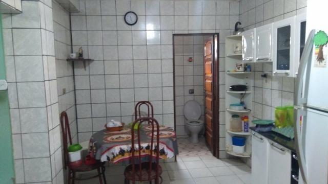 Vende-se um Prédio com 3 Casas - Foto 12