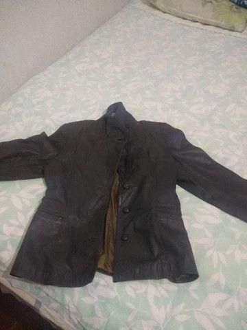 Vendo jaqueta de couro - Foto 4