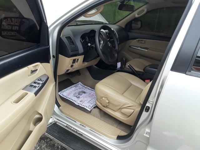 Toyota hilux sw4 sr top flex com gnv ano 2014 - Foto 11