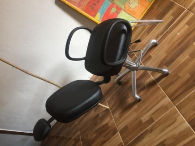 Cadeira de barbeiro - Foto 5