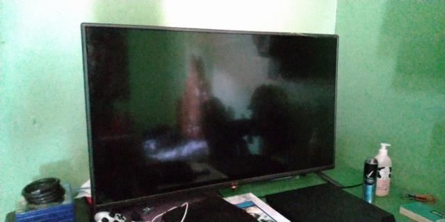 """Tv LCD LG 42"""" Não é Smartv"""