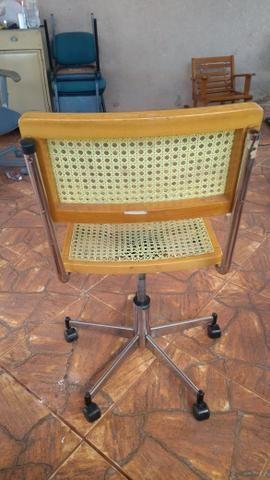 Cadeira giratória pra PC - Foto 3