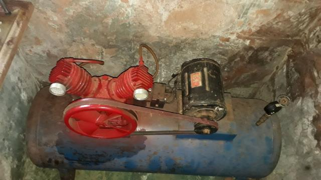 Compressor de ar 220/trifasico valor 1.000 reais - Foto 2