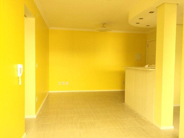 Apartamento 2d com garagem no Guarujá - Foto 3