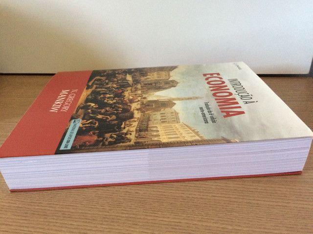 Livro INTRODUÇÃO À ECONOMIA - N. Gregory Mankiw - Foto 3