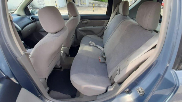 Nissan Livina SL 1.6 Cinza 2010 Completa, Carro em Excelente Estado - Foto 13