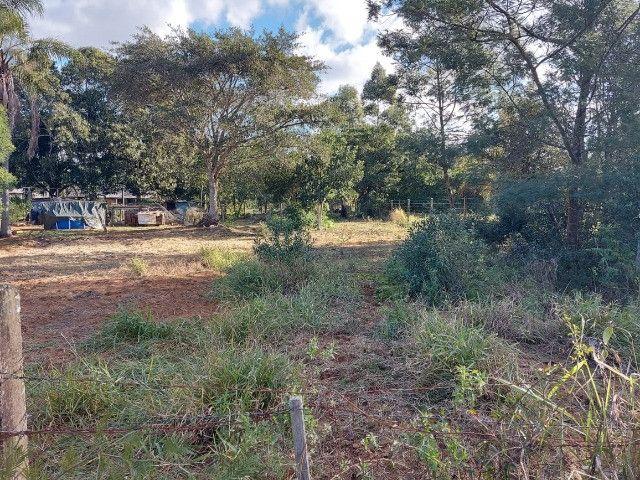 Velleda oferece lindo terreno de 450 m², local de moradores, ac entrada - Foto 2