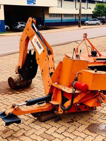 Retro Escavadeira de acoplagem trator de 35cv a 70 cv - Foto 2