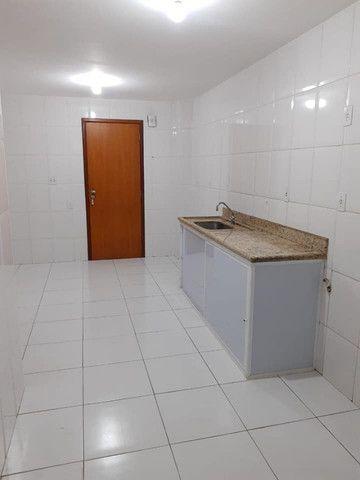 A RC+Imóveis aluga um excelente apartamento no centro de Três Rios - RJ - Foto 5