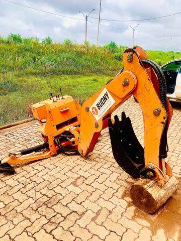 Retro Escavadeira de acoplagem trator de 35cv a 70 cv - Foto 4