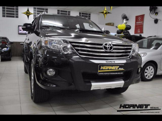 TOYOTA HILUX SW4 SRV 4X4 3.0 AT