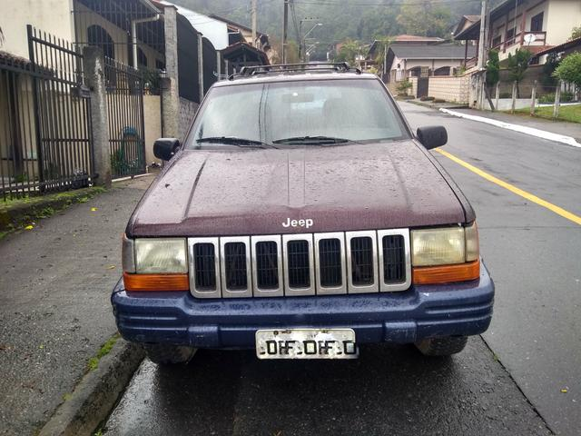 Jeep Grand Cherokee Laredo 4.0 Aut