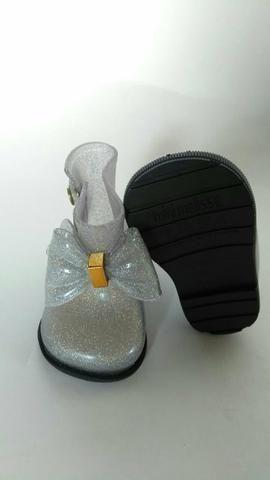 Sandálias e bolsas revenda