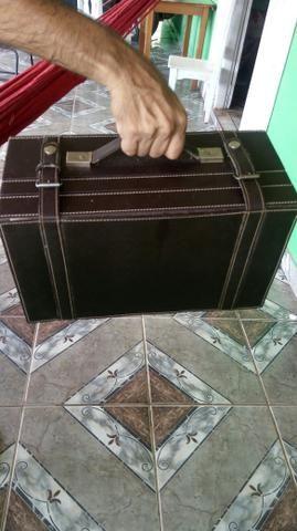 Vendo uma maleta de poker profissional