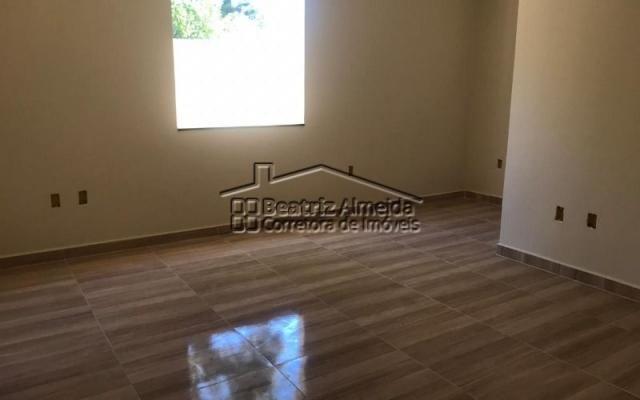 Luxuosa casa de 3 quartos, sendo 1 suíte, com área de lazer completa - Foto 12