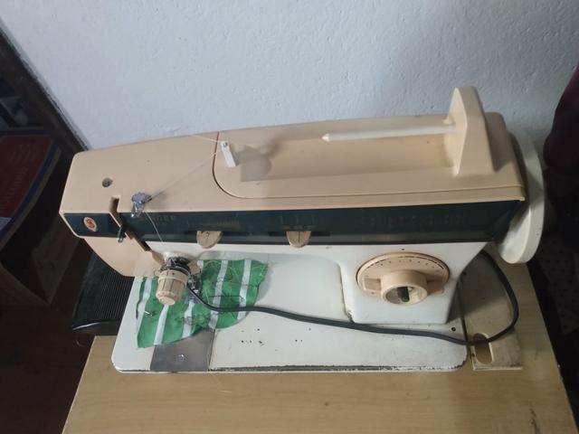 Máquina de Costura Singer 3930 Facilita Master