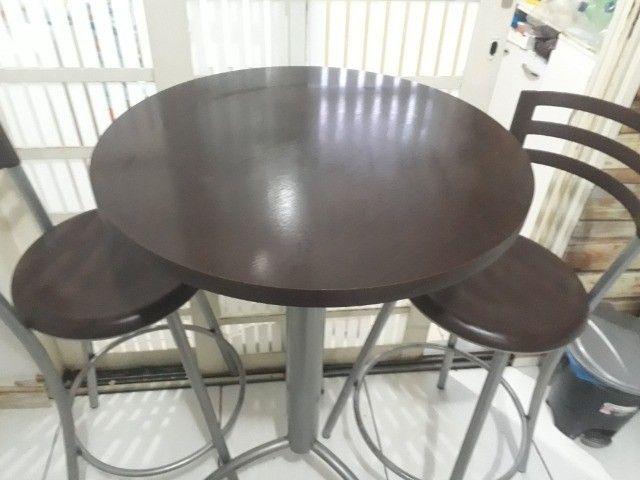 Vendo Bistrô/ mesa com 2 banquetas