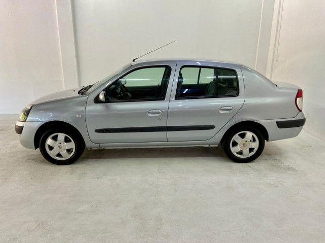 Renault Clio Sedan 1.6 Privilege 2005/2006 - Foto 3