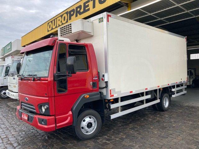 Caminhão cargo 1119