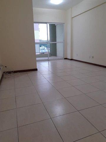 A RC+Imóveis aluga um excelente apartamento no centro de Três Rios - RJ - Foto 4