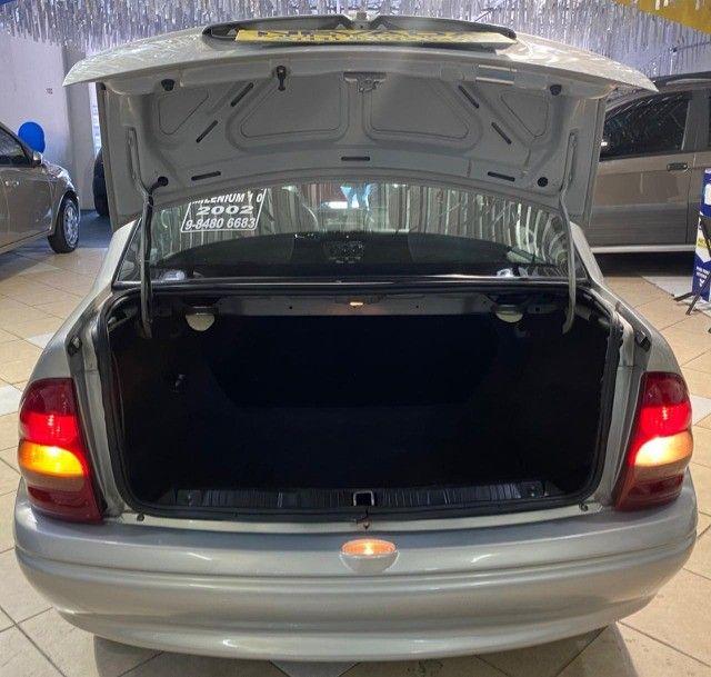 Chevrolet Corsa Sedan 2002 1.0 Gasolina Milenium Básico Prata Estudo Troca e Financio - Foto 19