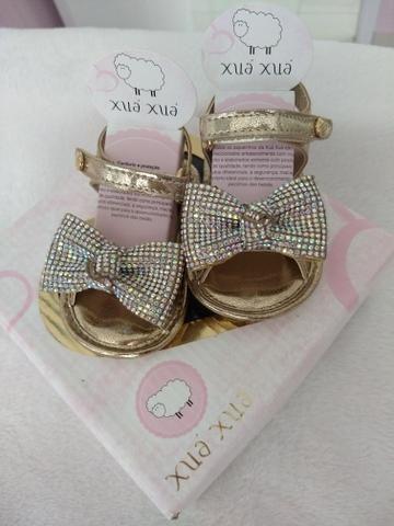 Sapatinho e sandália para menina