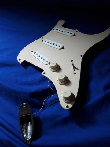 Squier Fender