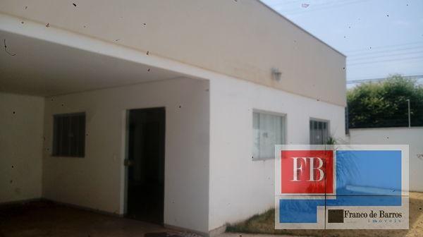 Casa  com 3 quartos - Bairro Jardim Novo Horizonte em Rondonópolis