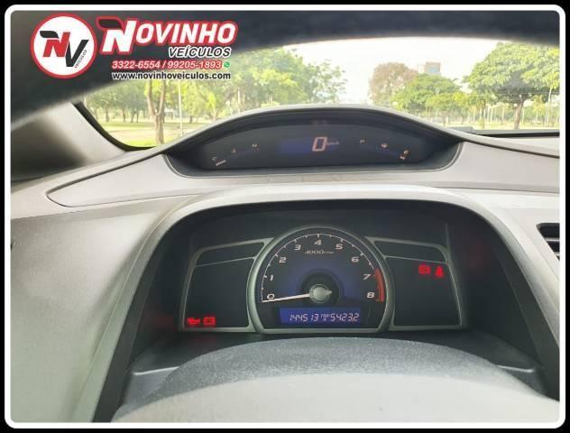 Honda Civic Lxs 1.8 Manual 09/10 - Foto 4