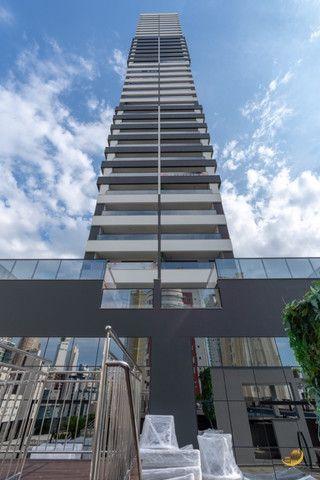Apartamento 03 Suítes - 03 Vagas de garagem - Sacada com churrasqueira - Vista Mar - Foto 7
