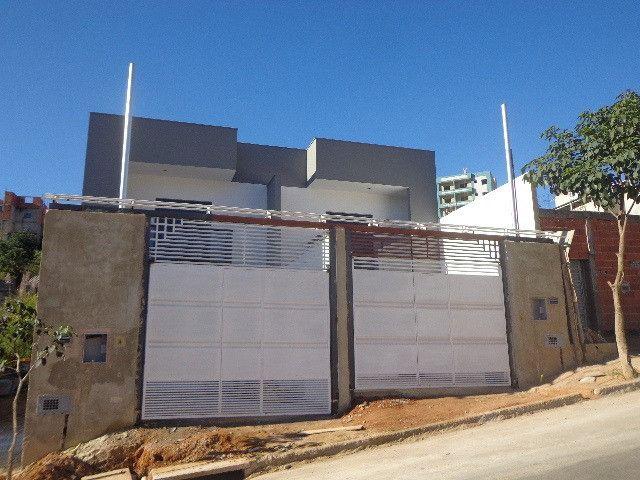 Bairro Jardim dos Alfineiros - Linda casa de 2 quartos quintal plano e murado e 2 vagas