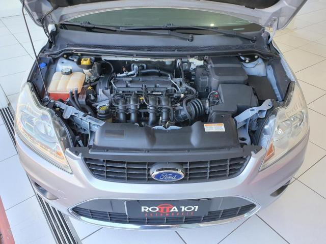 Focus 1.6 SE Plus 8V 2011 - Foto 6