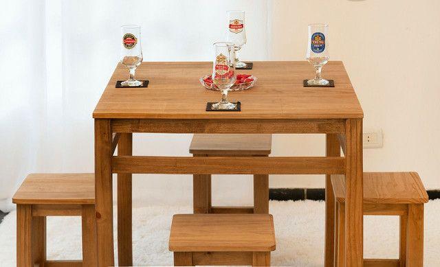 Jogo de mesa + 4 banquetas - Foto 2