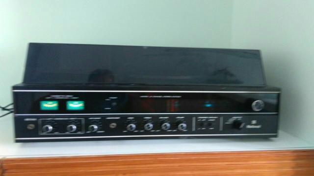 Toca discos 3 em 1 marca National modelo SS 8000