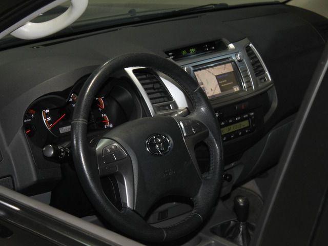 Hilux CD SRV D4-D 4x4 3.0 TDI Diesel Aut - Foto 17