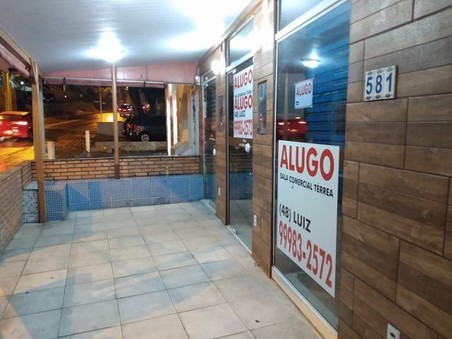Alugo excelente sala comercial térrea na rua geral da agrônomica - Foto 20