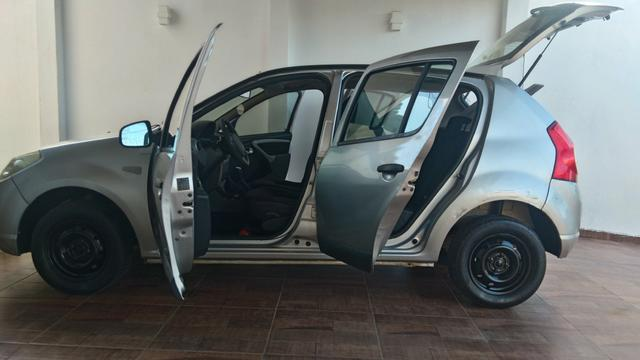 Renault Sandero - carro de mulher - Foto 3