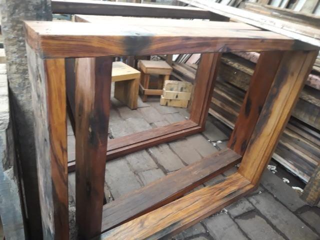 Marco de janela feito com dormente de madeira - Foto 2