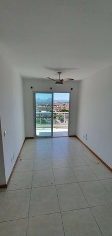 Aluga-se apartamento a poucos metros da praia