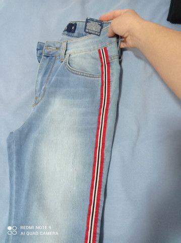 Calça jeans na etiqueta!