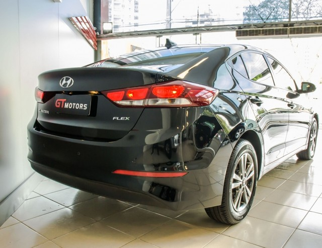 Hyundai Elantra 2.0 FLEX 4P - Foto 5