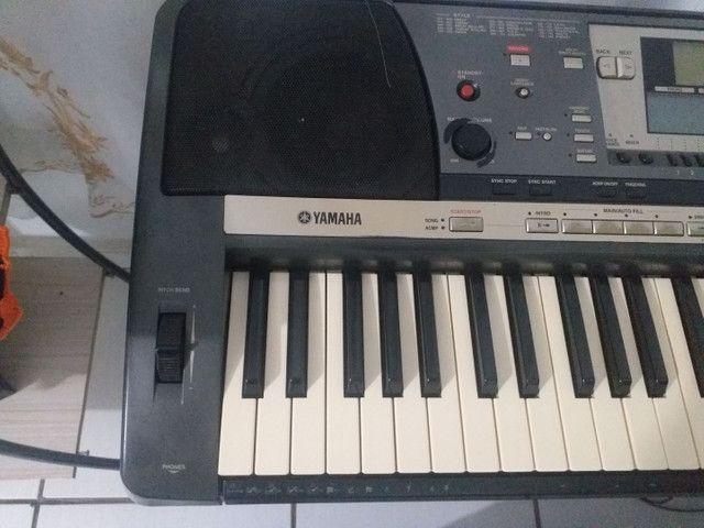 esselente teclado  yamaha 640 funciona tudo - Foto 3