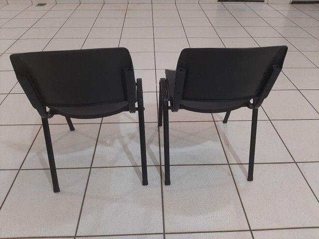 Vendo 2 cadeira novas  - Foto 3