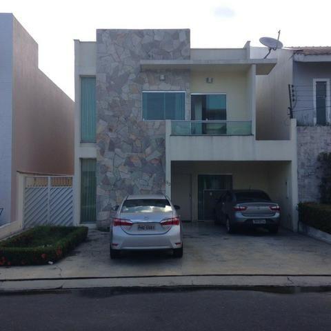 Linda casa duplex de 3 quartos com suite, 3 vagas de garagem, a venda em Manaus-AM