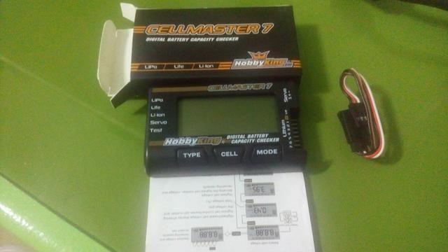 Medidor checador de bateria com testador de servo