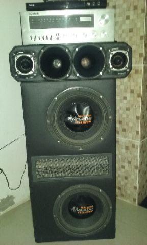 Caixa de som, receiver e aparelho DVD